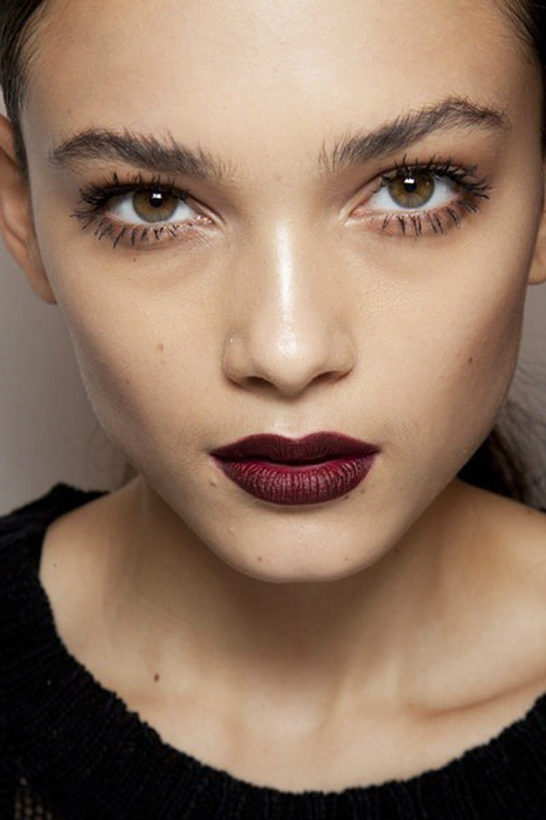 how to apply red lipstick on dark lips
