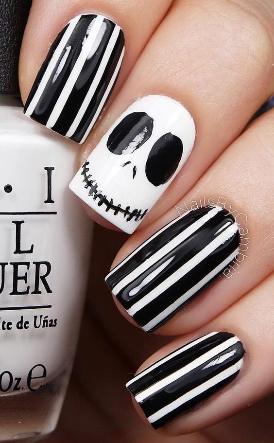 Easy DIY Halloween Nail Ideas For Every Costume!