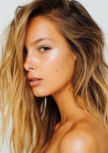 Glowing Beauty Summer Make Up